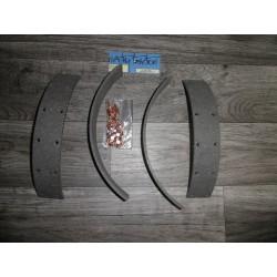 Kit segments frein 15/6CV AV/AR