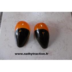 La paire de cabochon AV orange/ noir
