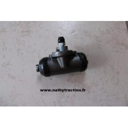 Un cylindre de roue AR 11/15 CV