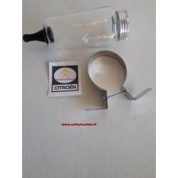 Un bocal de liquide frein complet en verre
